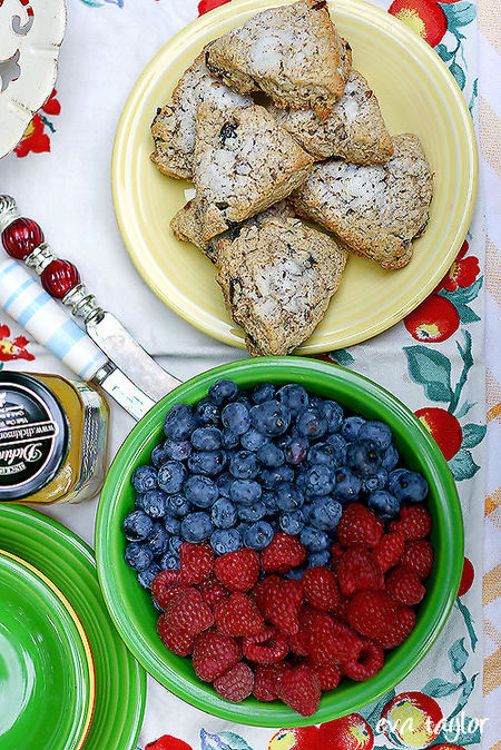 Scones_berries1